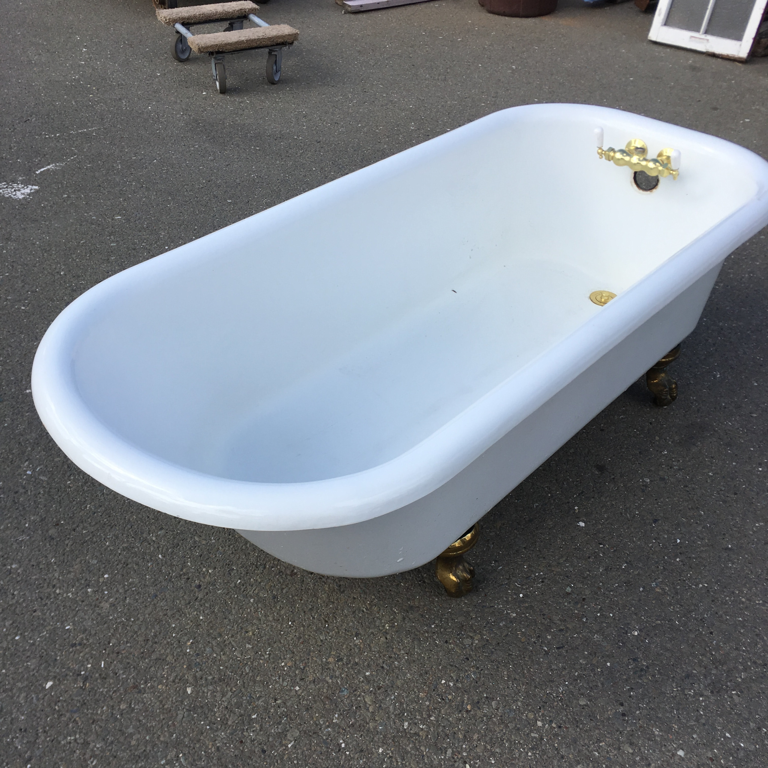 5 1/2 Ft Claw Foot Tub w/ Shower Ring & Hardware