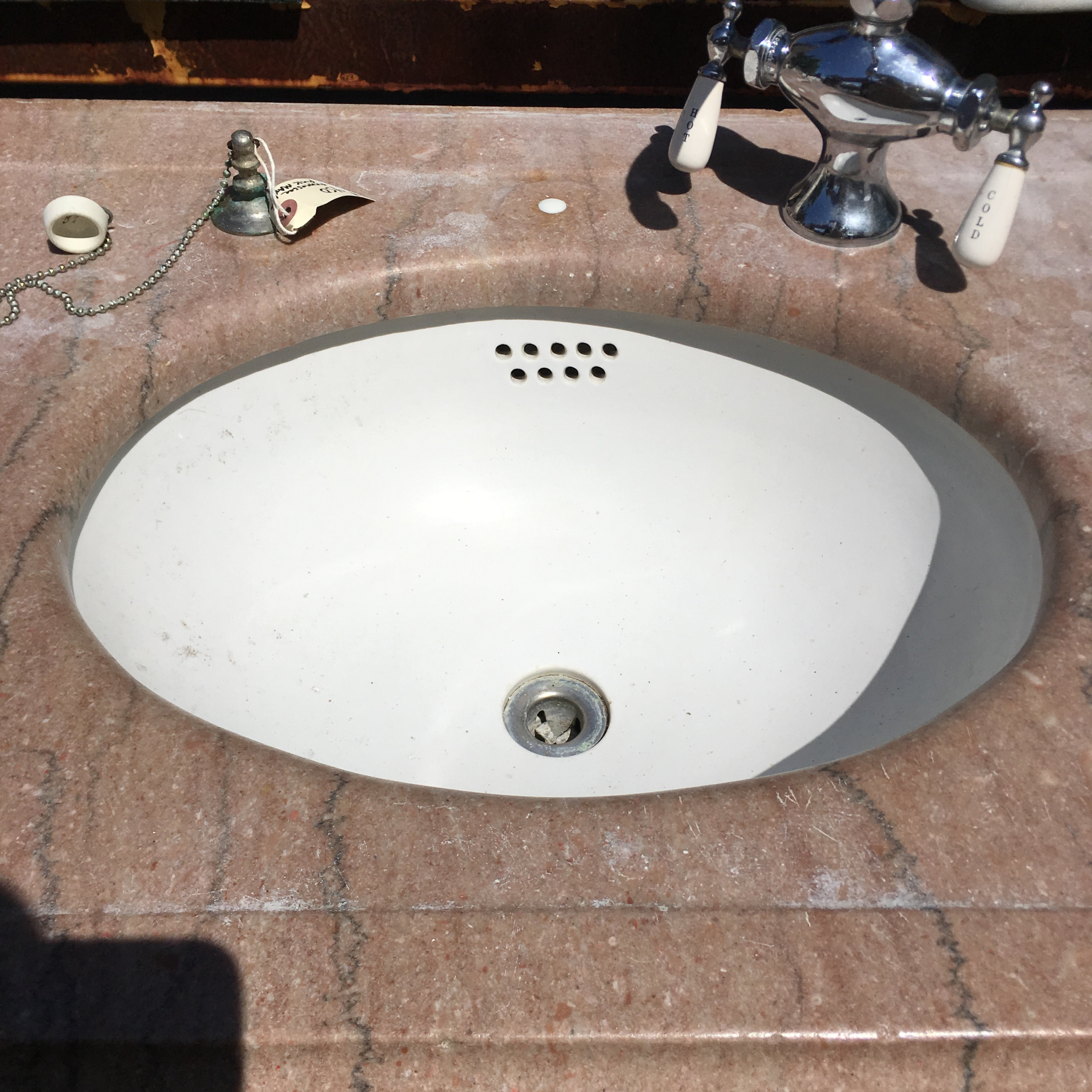 Tennessee Picnic Marble Sink W Plumbing