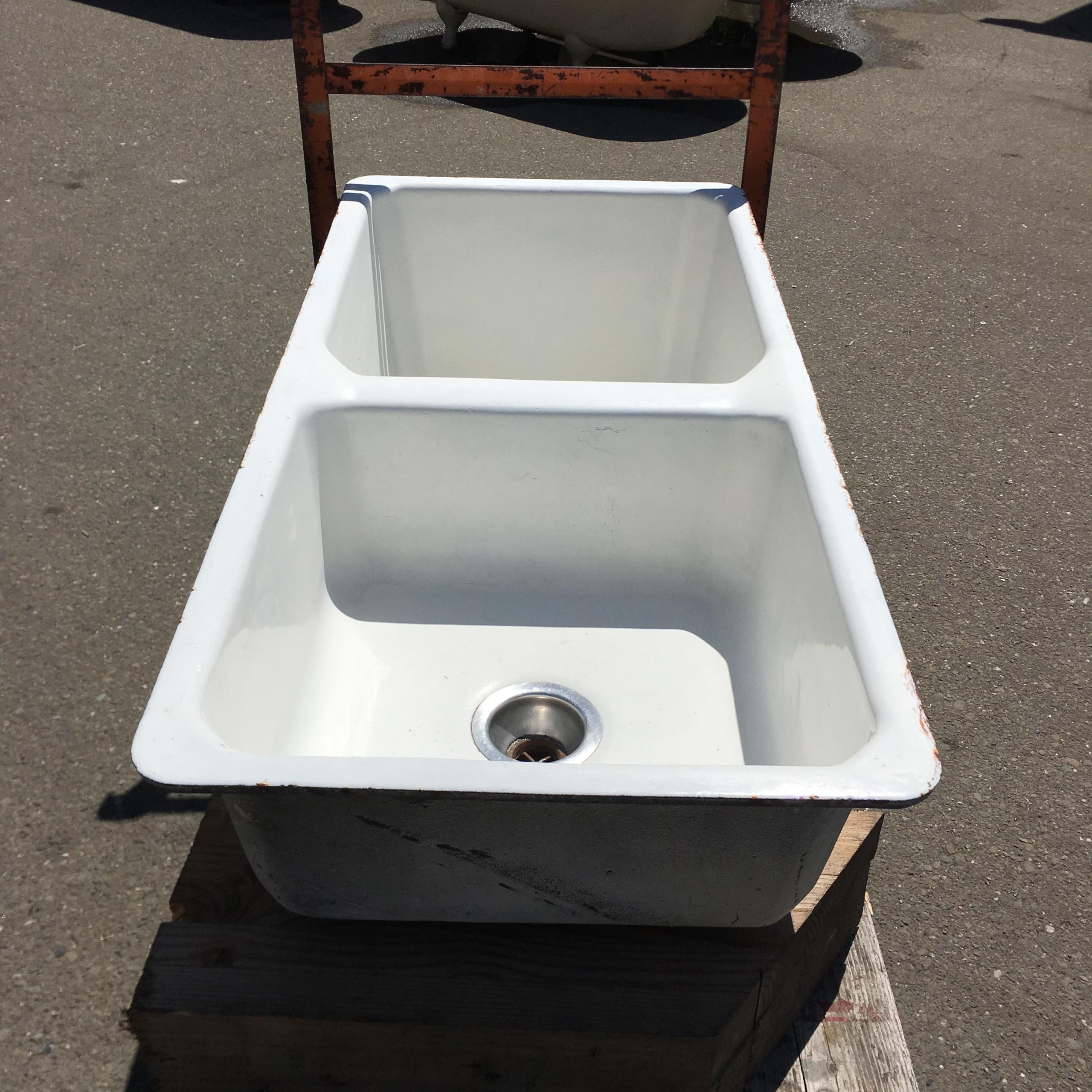 Cast Iron Amp Porcelain Deep Double Basin Kitchen Sink