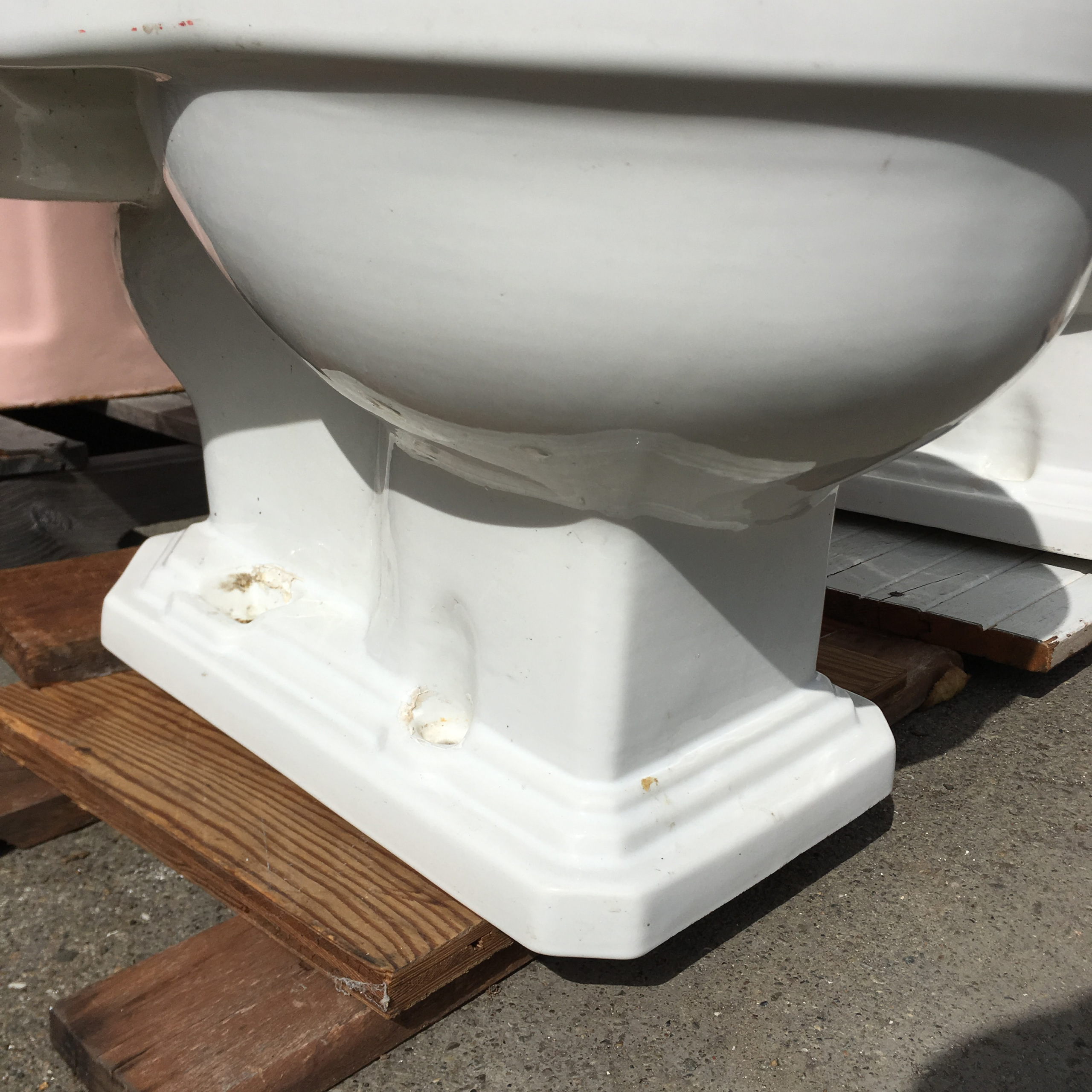 American Standard Low One Piece Toilet